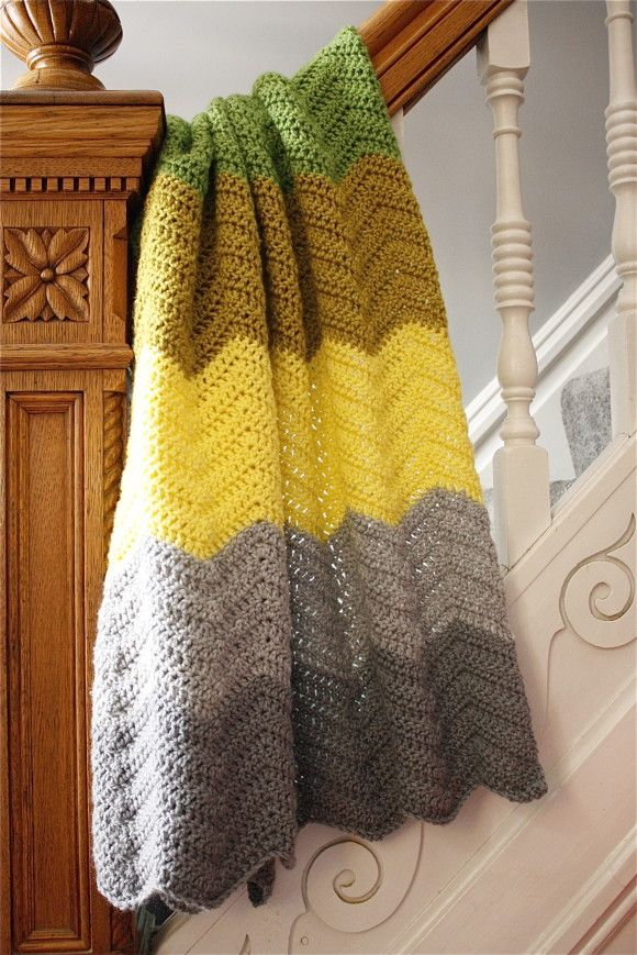 chevron crochet baby blanket, free pattern included