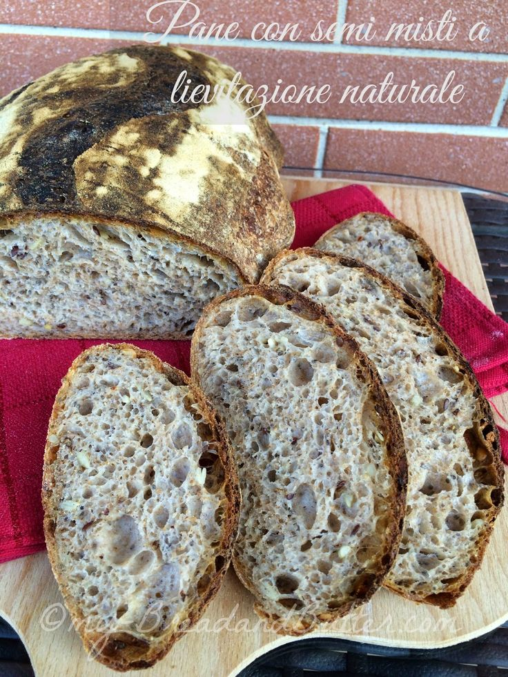 Pane integrale con semi misti a lievitazione naturale