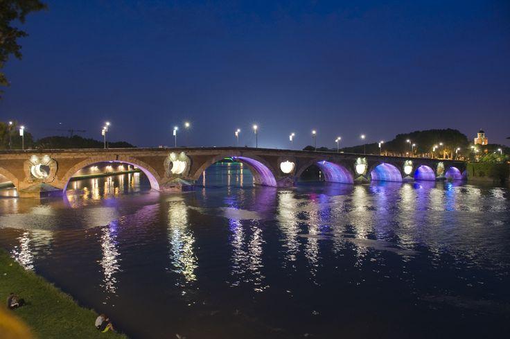 Profiter du Pont Neuf illuminé © K. LHémon #toulouse #visiteztoulouse