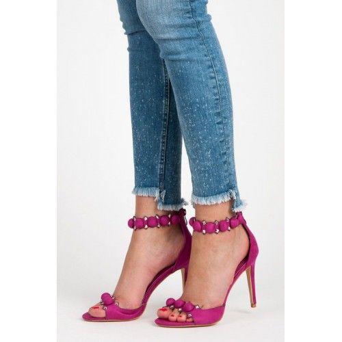 Dámské sandály Seastar Mystana fialové – fialová Více ženské sandály nemůžete ani najít. Dámské sandály se zdobením a v krásné barvě se výborně hodí především na večírky. Sandály s vysokým jehlovým podpatkem jsou vhodné především …
