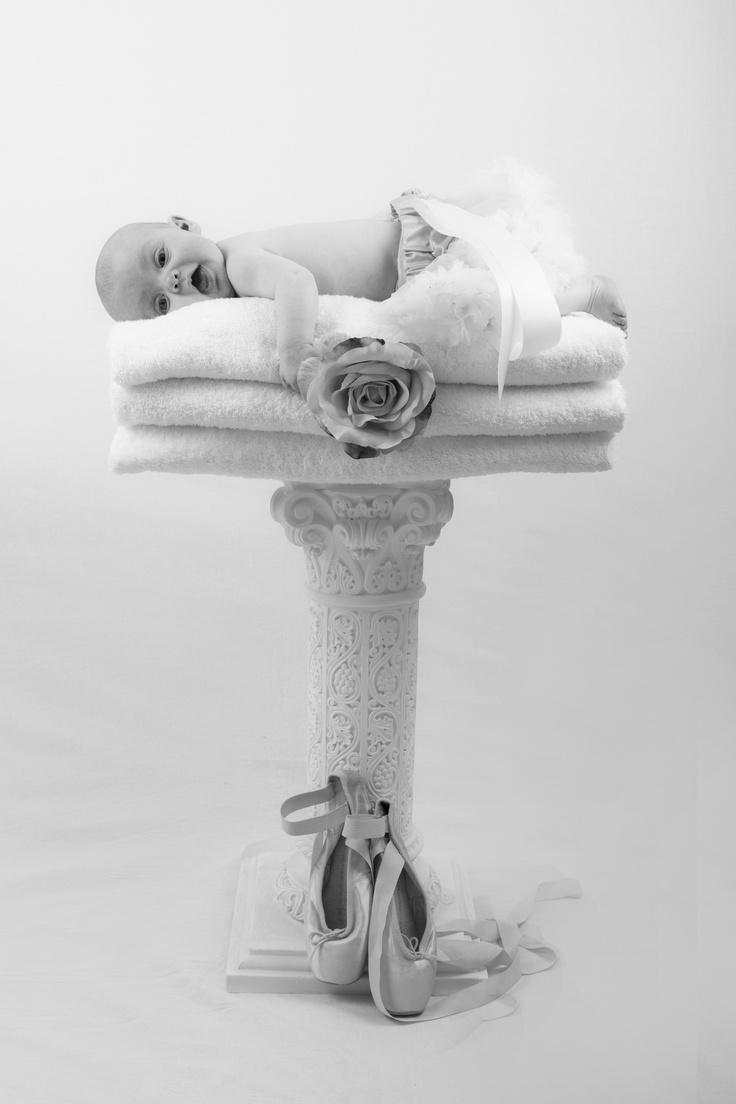 Grace pedestal