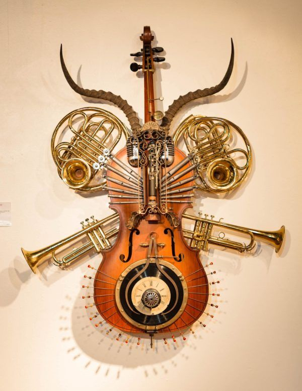 Concerto Grosso Nuovo Sculpture On A Cello.         Gloucestershire Resource Centre http://www.grcltd.org/scrapstore/