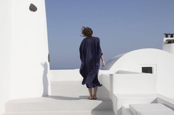 White plasticity. Aenaon Villas | photography Irini Giotopoulou | Ioanna Kourbela Soft Winter Basics https://thegreekdesigners.com/2016/10/30/aenaon-serenity-in-thira/