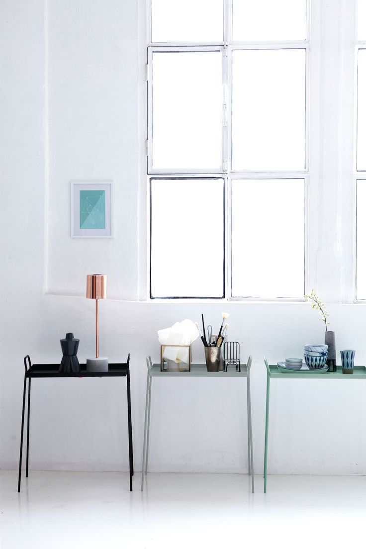 Op bijzettafeltjes kun je de mooiste woonaccessoires plaatsen #decoration #home