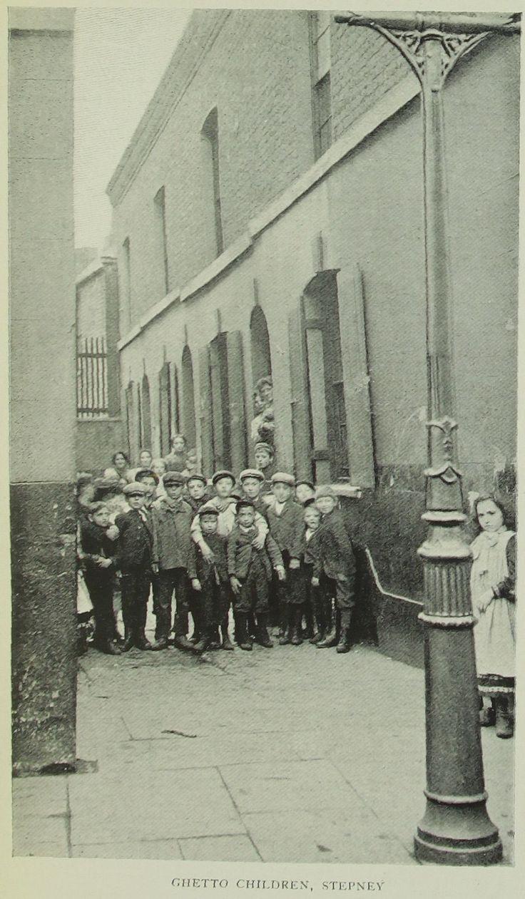 Ghetto children, Stepney (1903)  http://www.europeana.eu/portal/record/09324/9456C93F5A06CA0053933801395A4CAD7E140B53.html
