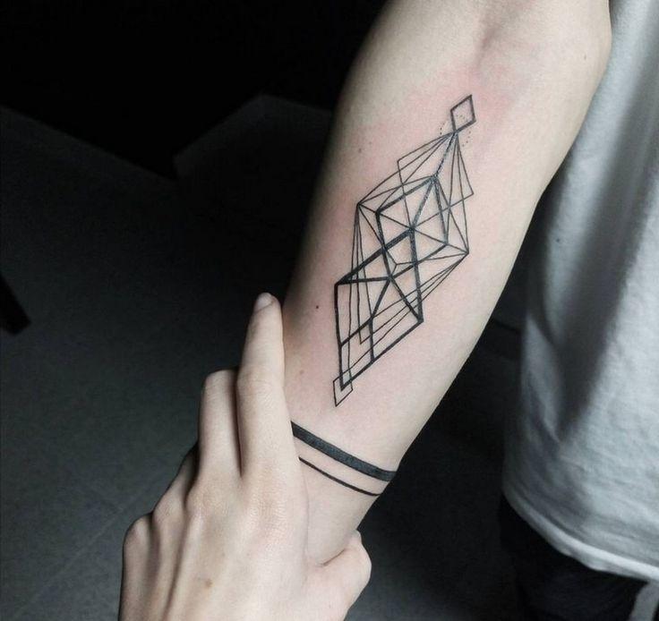 idee-tatouage-geometrique-minimaliste