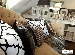 Znalezione obrazy dla zapytania marokanskie poduszki w salonie