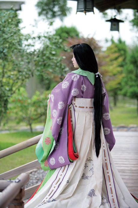 court lady dressed in junihitoe. Heian era court dress