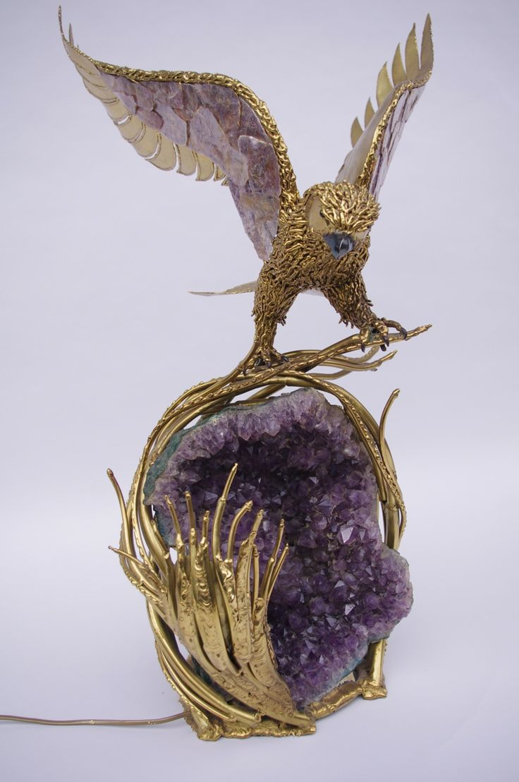 AMETHYST  AND GILT BRASS ILLUMINATED EAGLE BY RICHARD FAURE CIRCA 1970 by Jean-Luc Ferrand #frenchantique #antique #antiquites #richardfaure