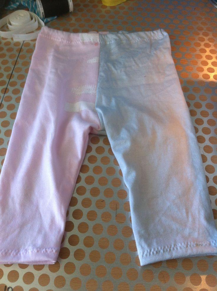 Little Legs: Leggings Pattern and Tutorial {sizes newborn - 12 months}