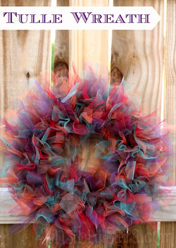 DIY: Festive Fall Tulle Wreath #turkeytablescapes