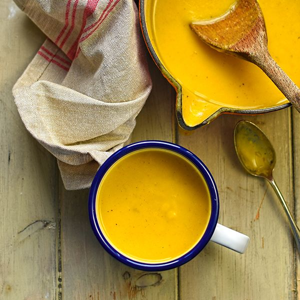 Swede and carrot combined with thyme and smoked paprika for a vibrant, rich and satisfying soup.