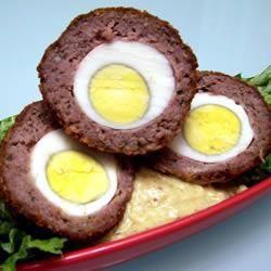 Foto da receita: Ovos escoceses com molho de mostarda