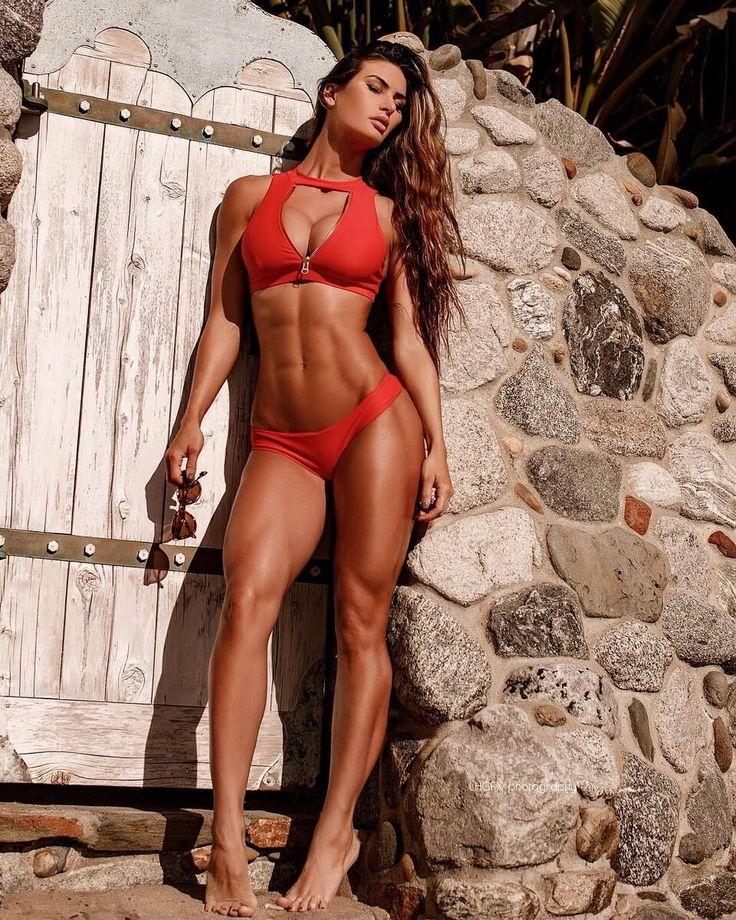 наверно, самые красивые фитнес модели фото неоднократно