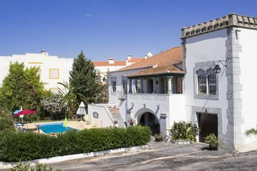 Casa do Infante Ferreira do Alentejo Offering free WiFi and an outdoor pool, Casa do Infante is located in Ferreira do Alentejo, 22 km from Beja. Portel is 45 km away. Free private parking is available on site.  The accommodation is fitted with a TV.