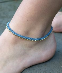 Tutorial Colar, Crochet Bracelet Tutorial, Macrame Bracelet Tutorial, Macrame Bracelets, Loom Bracelets, Friendship Bracelets, Beaded Jewelry Patterns, Bracelet Patterns, Macrame Colar