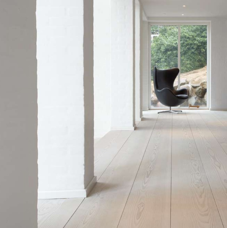 Another Douglas Fir wooden floor by the Dinesen company.