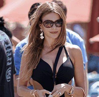 Sofia Vergara wearing sunglasses | Pin by 20/20 Eye Wellness Optometry on Glasses worn by celebrities ...