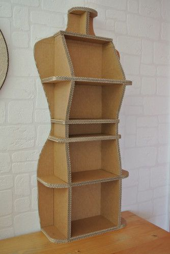 DIY cardboard display storage. Can look neat for displaying haberdashery items :)