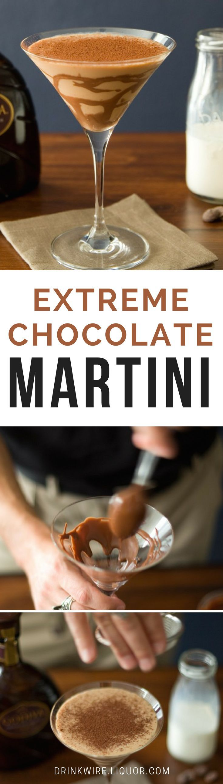 The Extreme Chocolate Martini is the epitome of boozy decadence. What we have here is a combination of crème de cacao, chocolate liqueur, chocolate sauce and cocoa powder. Chocoholics better watch out, this one is quite tempting!