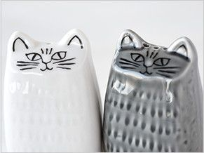 Lisa Larson Japan Series Cat Salt & Pepper