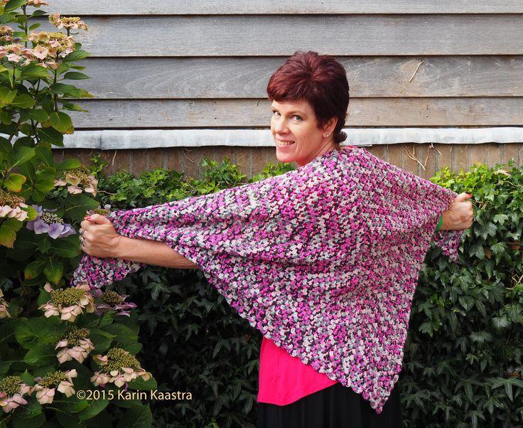 Met wol van de Hema, sjaal/omslagdoek.