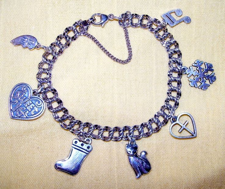 James Avery DOUBLE CURB Sterling Silver Charm Bracelet with 7 Charms, RETIRED #JamesAvery #Traditional
