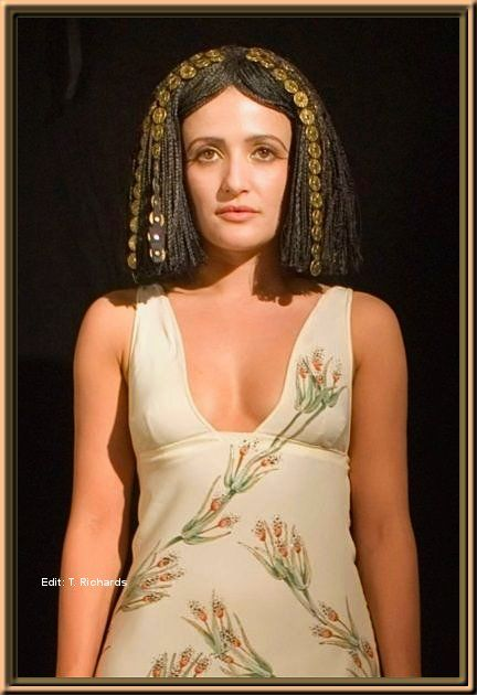 cleopatra and octavia essay Read this history other essay and over 88,000 other research documents cleopatra vii: the rise and fall of the last pharaoh cleopatra vii: the rise and fall of the last pharaoh the name cleopatra has been used by lots of different.
