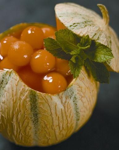 KENWOOD | Ricettario - Gelatina di anguria con melone alla menta - http://www.complementooggetto.eu/wordpress/kenwood-ricettario-gelatina-di-anguria-con-melone-alla-menta/
