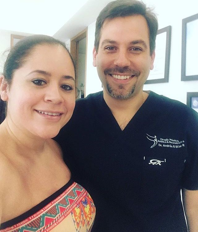 Just visited a plastic surgeon most of you know - he's a very kind a warm person and most important delivers great work. Board certified not only in Colombia but also in Argentina and the USA. His assistant is also very sweet and with mentioning 👌🏼 #calibelleza #cali #colombia #plasticsurgery #plasticsurgeryjourney #medicaltourism #lipo #bbl #snatched #doll #rh #recoveryhouse #calibellezarecovery #calibellezaconsultants #plasticsurgeryconsultants