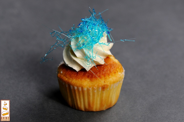 Cupcakes by Paint Cakes  http://www.facebook.com/Paintcakes