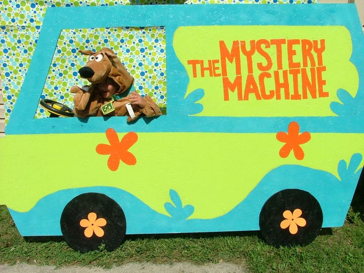 Mystery Machine Photo Booth