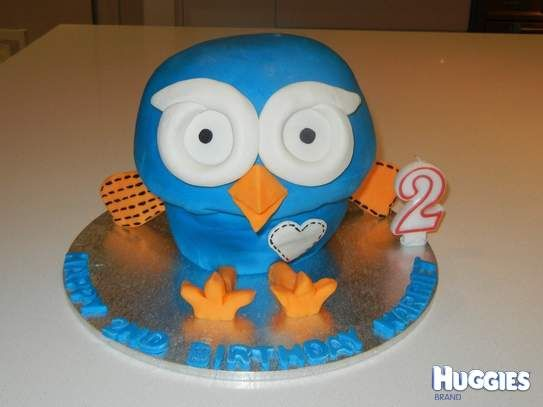 3D hoot cake from Giggle and Hoot ABC show.  Made in 2 pyrex bowls and covered in white buttercream and fondant