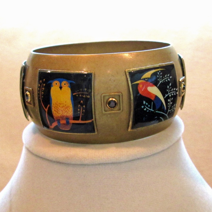 This bangle will chirp its way into your heart.