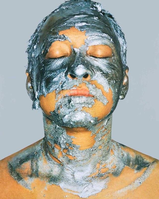 Silver Acrylic Paint on Face 2. 2009. 250x200 cm. Oil on canvas.