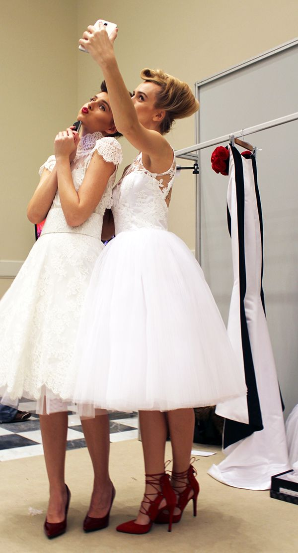 Bridal Fashion Week: Νυφικά looks με παπούτσια Migato σε έντονα χρώματα
