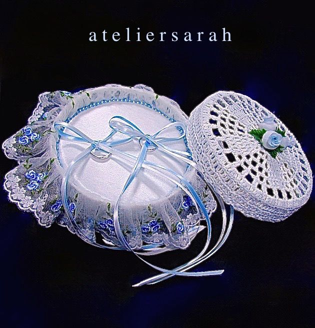 ateliersarah's ring pillow/round lace basket with blue flower embroidered tulle