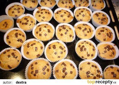 Recept na rychlé muffiny s kousky čokolády - TopRecepty.cz