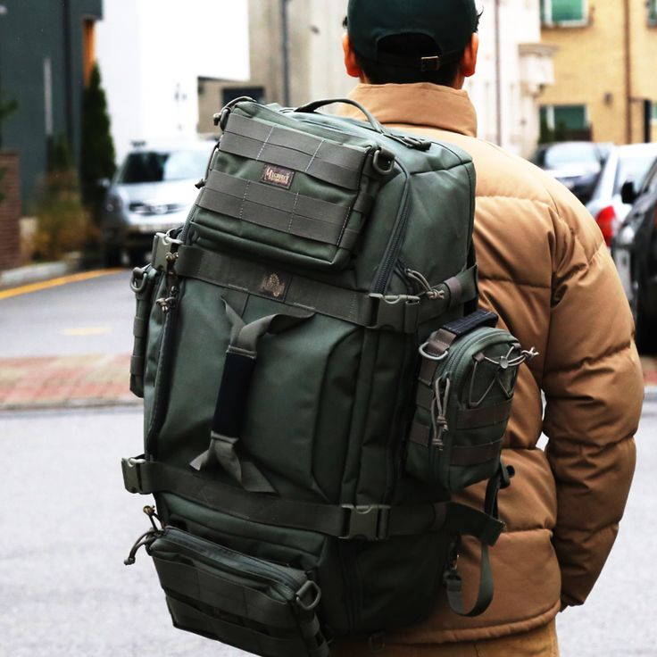알바트로스 풀몰리는 사용자의 목적에 부합하는 '전문수납장비'입니다. 알바트로스의 스트랩을 사용하여 가방에 부착되어있는 3가지의 파우치를 숄더백으로 사용하실 수 있습니다. 알바트로스 풀몰리를 만나보세요.  http://www.magforcekorea.com  #magforce #magforcekorea #backpack #travelbag #outdoor #backpacking #맥포스 #맥포스코리아 #백팩 #아웃도어 #백팩킹
