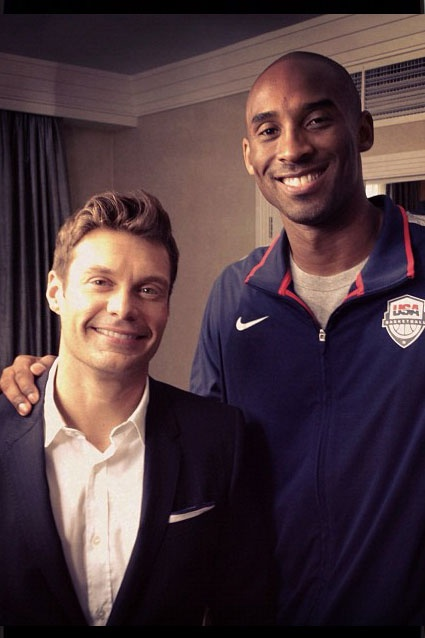 Height Difference    Ryan Seacrest posted with Kobe Bryant: Interviewed kobe...he's been visiting other sports to study, learn. Federer was his 1st ever tennis match