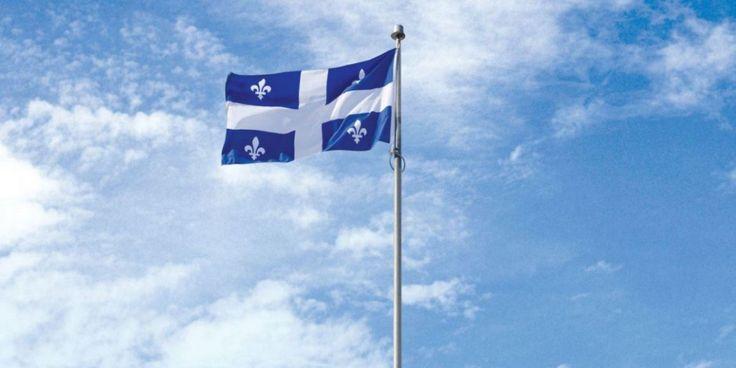 Le 21 janvier de chaque année depuis 1948, le Québec célèbre l'adoption de son drapeau national, symbole identitaire d'une nation francophone présente en sol d'Amérique depuis déjà plus de 400 ans. En 2015, nous célébrons le 67e anniversaire du « fleurdelisé » québécois. Voici quelques faits historiques et anecdotes concernant ce drapeau et l'emblème qu'il porte, soit la délicate et poétique fleur de lys.