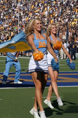 UCLA cheerleaders game, sports, Cheer, cheerleading college collegiate m.17.65 moved from @Kythoni Cheerleading: Collegiate board http://pinterest.com/kythoni/cheerleading-collegiate/ #KyFun
