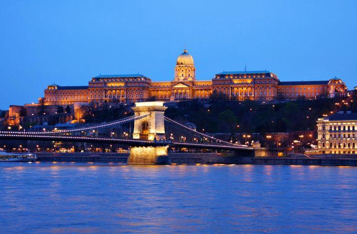 Európa 10 legszebb kastélya közt ott a budavári palota is!