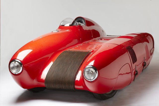 1955 Bisiluro. Wow, I have never heard of this car. Perfect color. Neat in a Jetsons kind of way... :-)