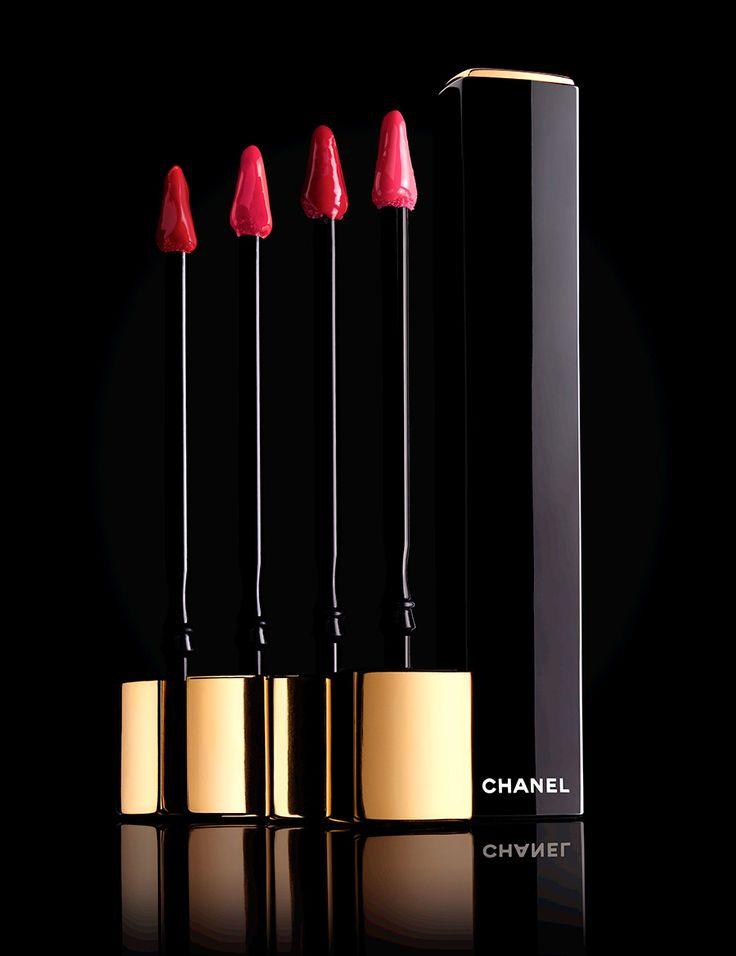 5 бьюти-новинок: новый блеск для губ Chanel Rouge Allure Gloss, новые свечи Bath & Body Works, палетка Clarins, гамма Discipline Kerastase и сыворотка Dior.