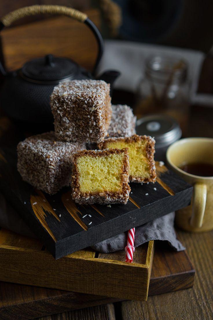 Ламингтон (Lamington) — австралийский чудо-десерт Слышали когда-нибудь про Ламингтон (Lamington)? Это австралийский десерт!Существует несколько версий происхождения пирожных. По одной легенде, к губернатору неожиданно пожаловали гости, а дома не оказалось ничего, кроме чёрствого бисквита. Повар нарезал шоколадный бисквит кубиками по 4-5см и обмакнул в измельчённый кокос.По иронии судьбы десерт Ламингтону не понравился, он назвал их «паршивыми,...