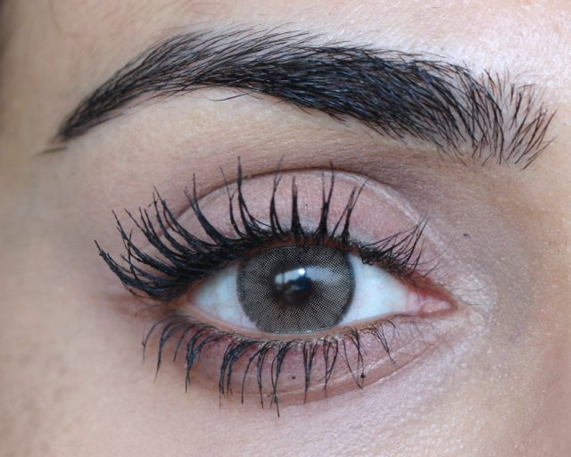 Beauty 101 | How to Get Insanely Thick Lashes Instantly (Video)
