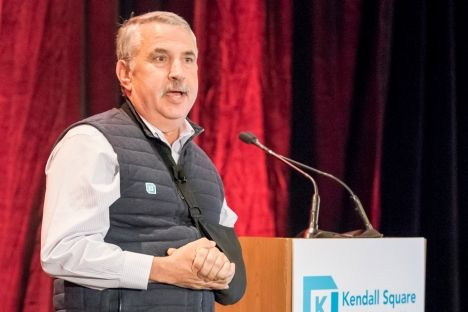 Pulitzer Prize-winning author Thomas Friedman delivers keynote on how rising trends impact society.