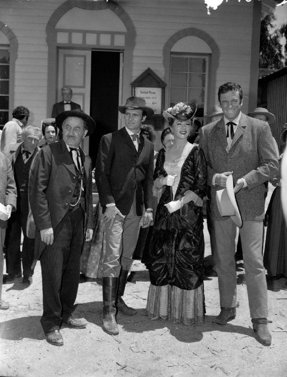 Pictures & Photos of James Arness - IMDb