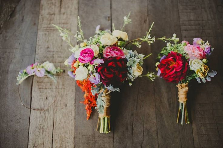 Bouquets / Wedding Inspo / Wedding Photography / Colourful Bouquets / Bridal / Destination Wedding / Bali Wedding